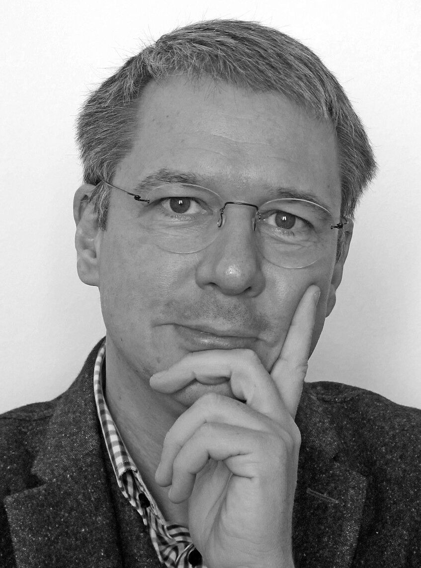 Dr Andreas Müller